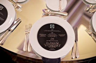 black-and-silver-circular-menu-mirrored-table-jewish-wedding-reception