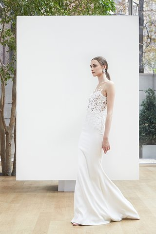 symone-oscar-de-la-renta-spring-2018ivory-stretch-silk-column-gown-embroidered-illusion-neckline