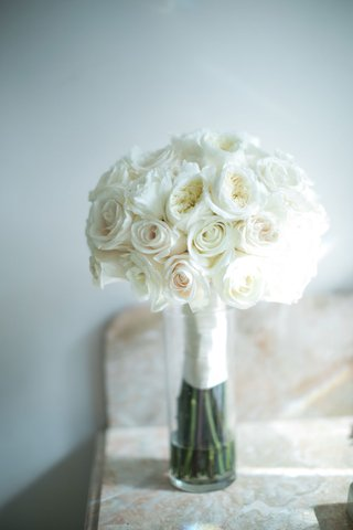 wedding-bouquet-white-rose-and-garden-rose-flowers-with-ribbon-wrap