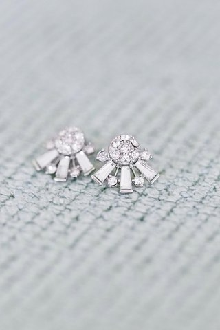 art-deco-inspired-diamond-earrings-bride-wore-for-her-wedding