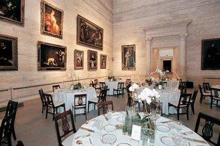 museum-of-fine-arts-boston-reception-space