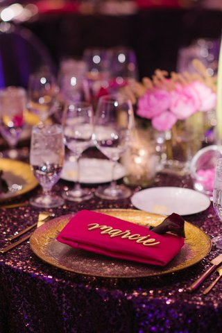 wedding-reception-place-setting-gold-charger-plate-pink-napkin-modern-calligraphy-place-card-sign