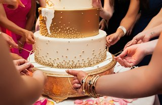 cinta-de-torta-peruvian-cake-pull-tradition-pull-ribbons-from-wedding-cake