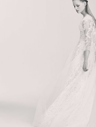 black-and-white-photo-of-elie-saab-bridal-spring-2017-three-quarter-sleeve-wedding-dress-with-lace