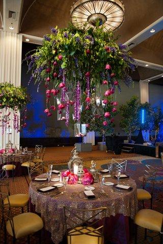 cascading-flowers-floral-chandelier-suspending-flowers