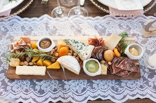 meat-cheese-fruit-nut-platter-reception-food-rustic-northern-california-wedding-hors-doeuvres