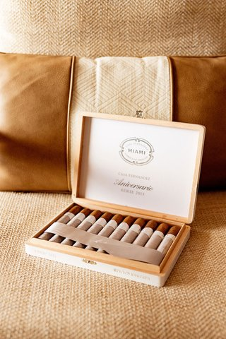 casa-fernandez-miami-reserva-cigars-international-box-of-cigars-at-grooms-suite
