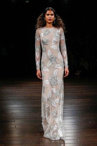 naeem-khan-bridal-fall-2017-maldives-long-sleeve-wedding-dress-silver-flower-embroidery-silver-leaf
