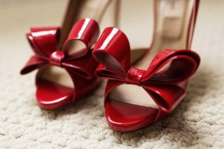 red-patent-leather-valentino-pumps-with-bows