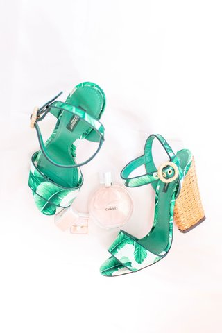 chanel-perfume-pink-the-mrs-box-with-engagement-ring-and-white-green-wicker-palm-frond-print-sandal
