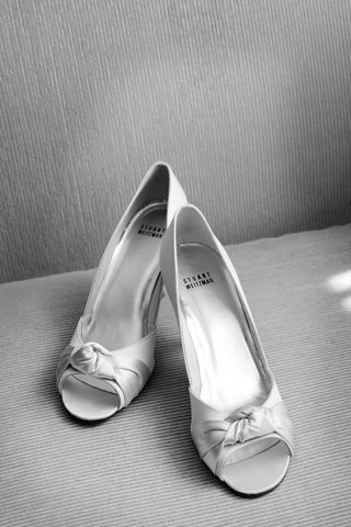 black-and-white-photo-of-stuart-weitzman-bridal-shoes