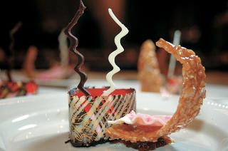fancy-gourmet-chocolate-dessert-at-wedding-reception