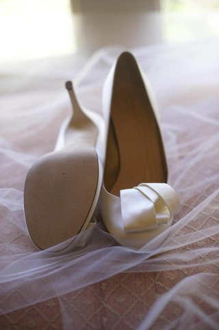 off-white-wedding-heels-with-knotted-ribbon-detail