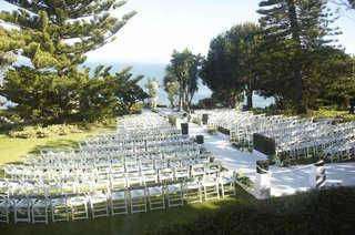 malibu-wedding-ceremony-on-grassy-oceanview-bluff