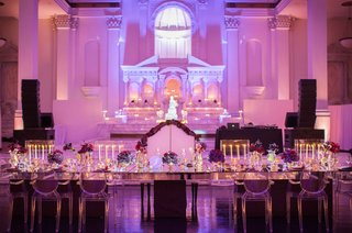 bride-and-groom-bench-at-mirror-head-table-with-ghost-chairs-for-wedding-party-at-vibiana