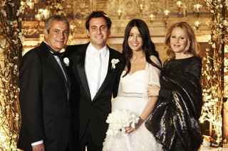 bride-and-groom-with-grooms-parents