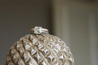 gold-engagement-ring-with-platinum-wedding-ring
