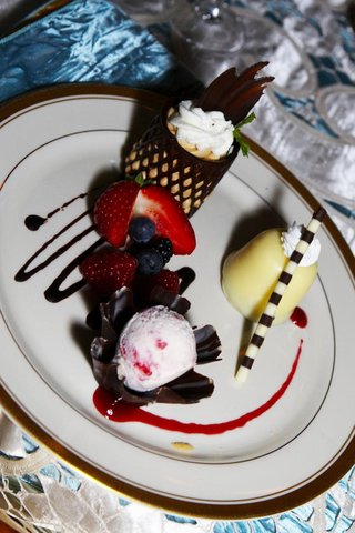 china-with-berry-and-chocolate-desserts