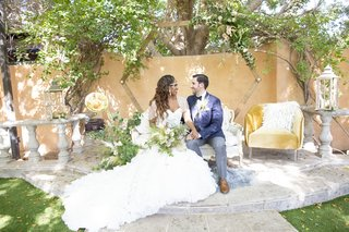 great-gatsby-inspired-garden-wedding-styled-shoot-with-octagon-frame-altar-interracial-couple-1920s
