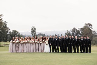 wedding-photo-ideas-for-large-bridal-parties-big-bridal-party-trend-bridal-party-photos-on-golf-co