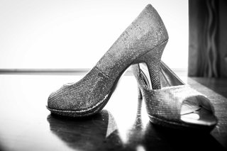 black-and-white-photo-of-peep-toe-pumps