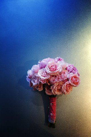 pink-rose-and-peony-bridal-bouquet-with-crystals