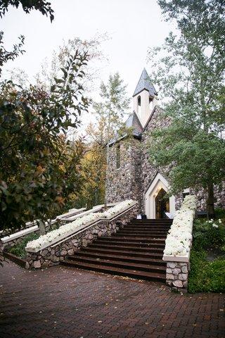 the-chapel-at-beaver-creek-stone-wall-mountain-chapel-church
