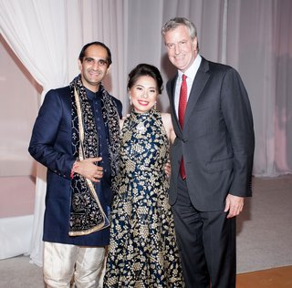 famous-wedding-guest-mayor-of-new-york-city-bill-de-blasio-with-newlyweds