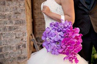 flower-handbag-on-arm-instead-of-bouquet-purple-orchid-fuchsia-pink-phalaenopsis-orchids