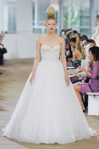 ines-di-santo-spring-2018-embroidered-sweetheart-corset-ball-gown-cathedral-train-flowers