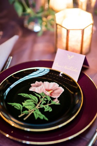 bold-black-and-gold-wedding-china-plates-with-pink-flower-design-tent-place-card-candlelight