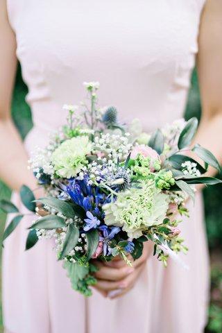 bridesmaid-wildflower-bouquet-greenery-leaves-nosegay-british-english-garden-wedding-england-uk