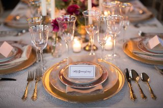 orante-place-card-calligraphy-guest-name-place-setting-wedding-styled-shoot-tablescape-vintage-gold