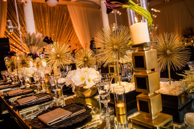 Gold-and-Black Reception Décor