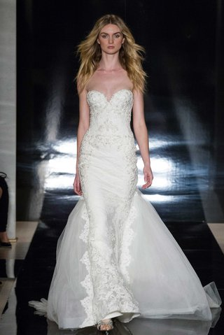 reem-acra-spring-2017-strapless-wedding-dress-sweetheart-neckline-reembroidered-lace-and-train