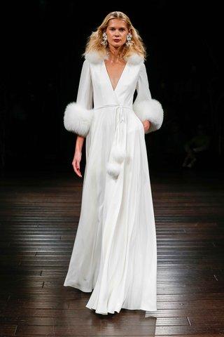 naeem-khan-bridal-fall-2017-budapest-winter-wedding-dress-deep-v-neck-wrap-with-fur-collar-fur-cuffs