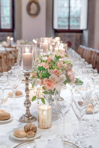 wedding-reception-destination-wedding-florence-italy-pink-white-flowers-candlesticks-bread-plates