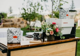 wedding-reception-espresso-cart-garden-decor-pink-flower-coffee-at-reception