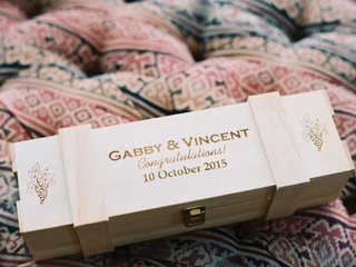 wood-box-with-clasp-wood-burned-couples-names-wedding-date-congratulations-grape-motif