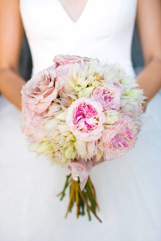 a-soft-bouquet-featuring-blush-ivory-and-off-white-flowers