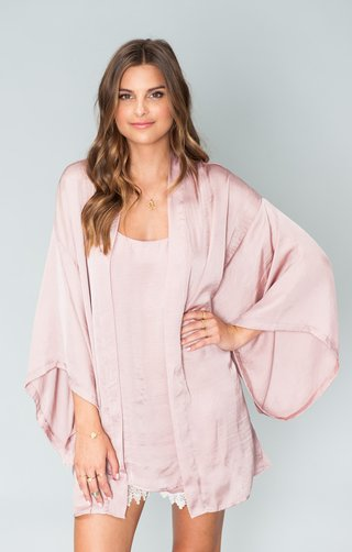 pink-kimono-top-and-shorts-with-lace-edges