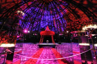 indian-wedding-under-dome-with-colorful-lighting