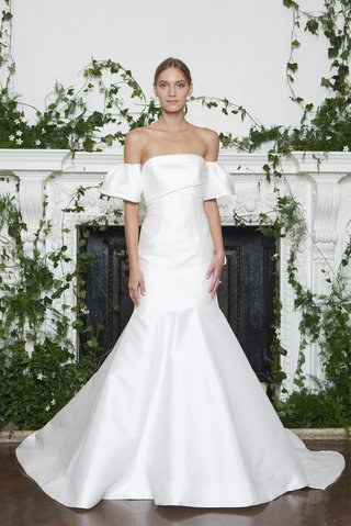 monique-lhuillier-fall-2018-mikado-strapless-trumpet-gown-with-back-bow-detail-and-pleated-arm-cuffs