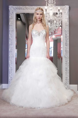 winnie-chlomin-2016-trumpet-wedding-dress-with-spaghetti-straps-and-jeweled-corset-bodice