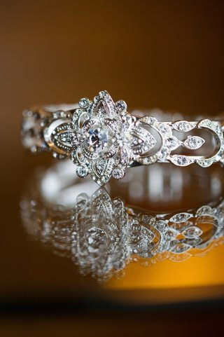 bridal-jewelry-with-floral-setting-and-round-cut-diamonds