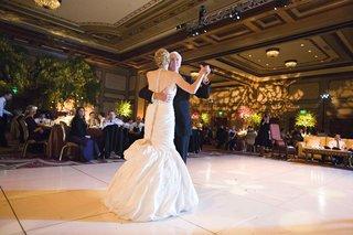 illuminated-ballroom-walls-and-trumpet-bridal-gown