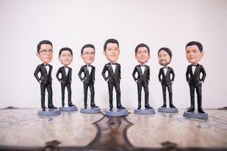 groomsmen-gift-ideas-groom-and-groomsmen-bobbleheads