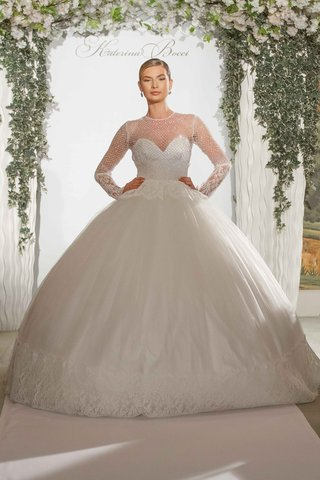 katerina-bocci-2017-bridal-collection-celine-dress-ball-gown-long-sleeves-miss-albanian-universe