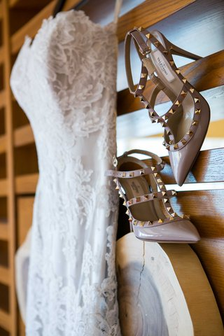 tan-nude-champagne-wedding-bridal-high-heels-with-golden-studs-and-a-pointed-toe-valentino