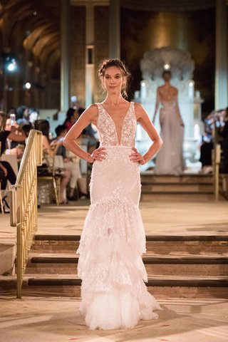 idan-cohen-fall-winter-2018-empire-of-love-wedding-dress-plunging-v-neck-bridal-gown-layer-trumpet